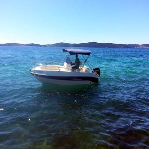 Blumax 19 Open Boat Rental